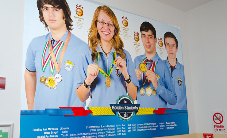 Poza Poster ICHB (Liceul de Informatica) 1