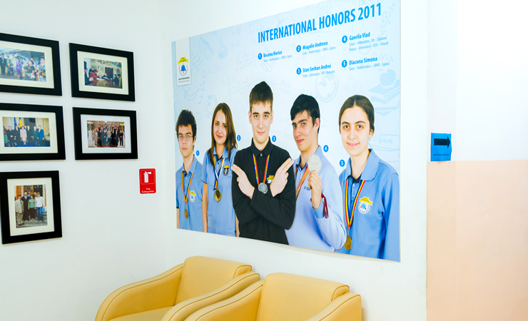Poza Poster ICHB (Liceul de Informatica) 6